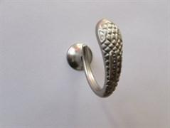Крючок одежный однорожковый ввертный хром матовый (1306 змея)