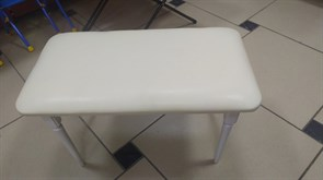 Банкетка Адель 390x720x470мм, прямоугольная, винилискожа крем, опора белая